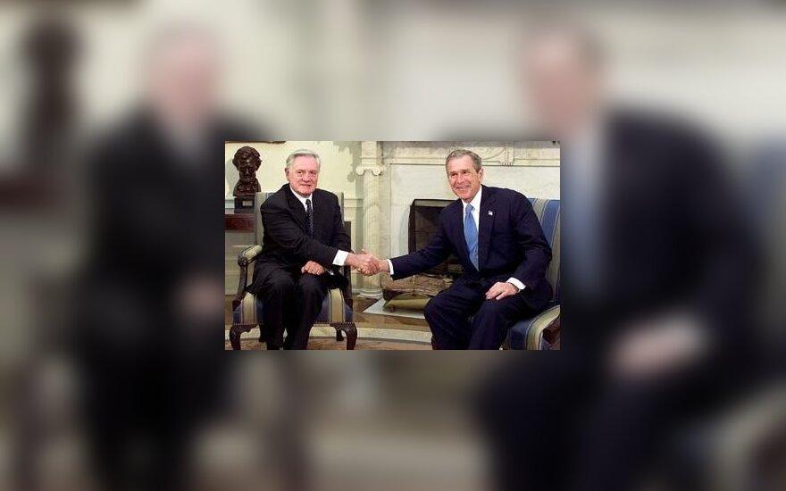 Prašo suteikti Vilniaus garbės piliečio vardą G. Bushui