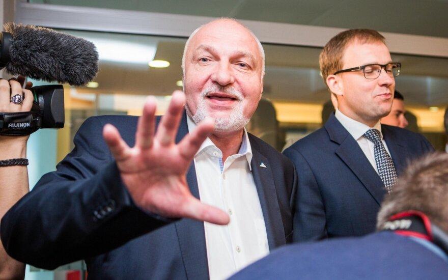 Kieno ranka buvo laiminga: partijos išsitraukė rinkiminius numerius