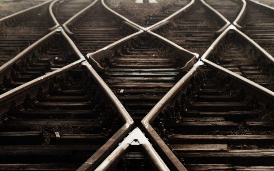 """""""Rail Baltica"""" įmonės likimas priklausys nuo premjerų susitikimo"""