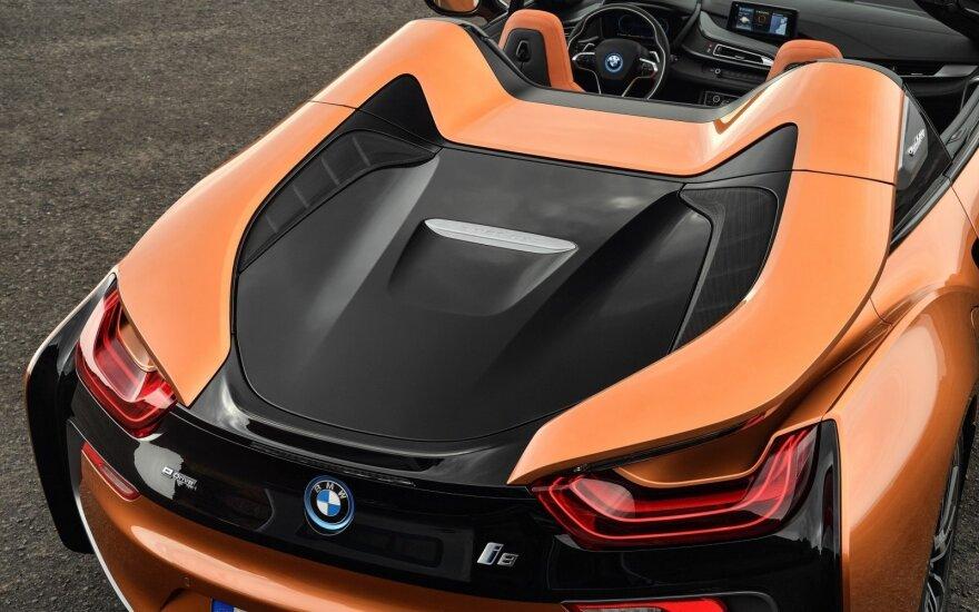 """BMW i8 Roadster"""
