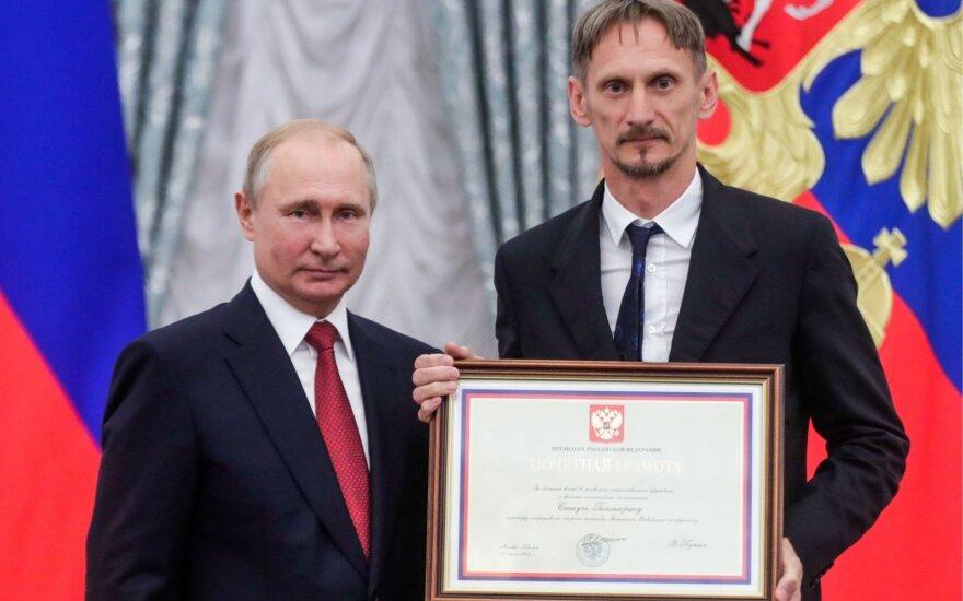 Rusijos rinktinę ir Staučę Kremliuje priėmęs Putinas: man labai norėjosi susitikti