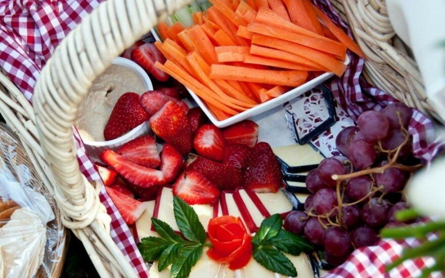 Idealus maistas piknikui: kaip atsigaivinti ir nelikti alkaniems