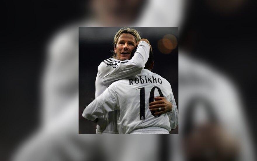 """Davidas Beckhamas ir Robinho (""""Real Madrid"""") džiaugiasi įvarčiu"""