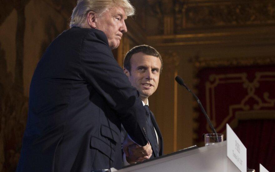 D. Trumpas susitiko su E. Macronu