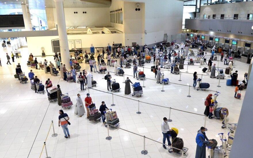 """""""Lufthansa"""" valdoma """"Brussels Airlines"""" atleidžia ketvirtadalį darbo jėgos"""