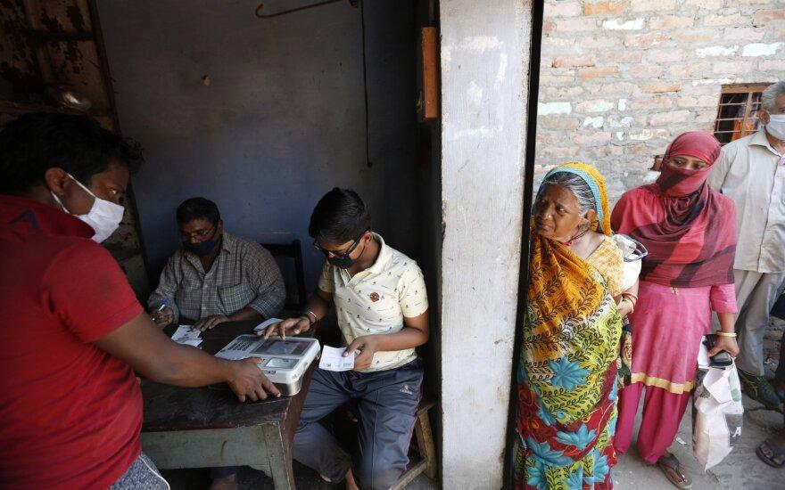 Indijoje nustatytų užsikrėtimo koronavirusu atvejų skaičius viršijo 70 tūkstančių