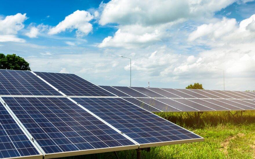 """""""Eika"""" pradeda bendradarbiauti su ,,Saulės grąža"""" – pirmoji siūlo butus su saulės elektros energija"""