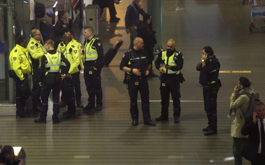 Sumaištis Amsterdamo oro uoste: pranešta apie užgrobtą lėktuvą, surengta saugumo operacija