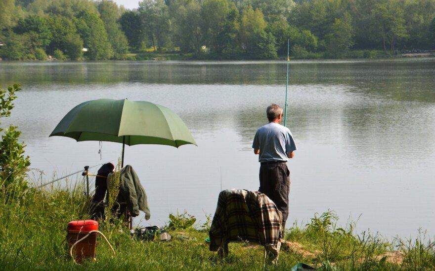 Karpiais gausus tvenkinys keičia statusą: žvejyba kainuos 14 eurų