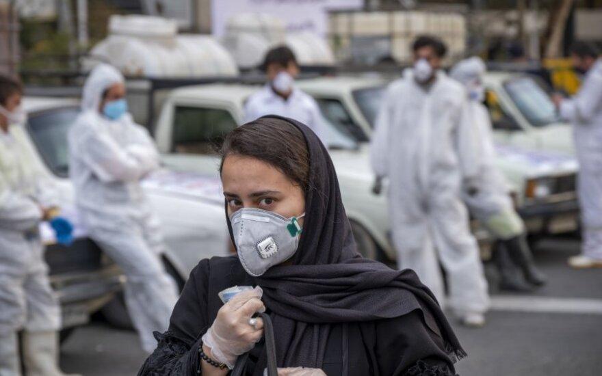 Irane mirė dar 71 COVID-19 pacientas, užregistruota daugiau nei 1 000 naujai užsikrėtusių
