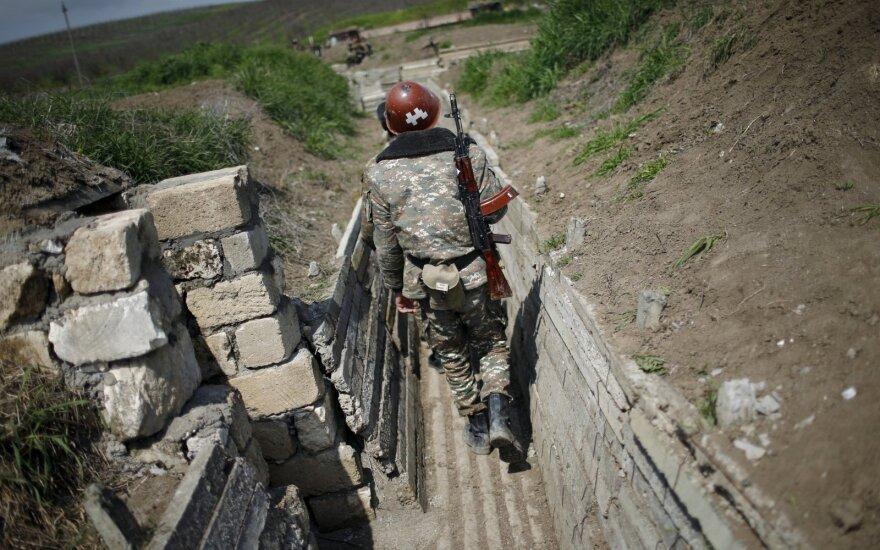 Per apšaudymą Azerbaidžano ir Armėnijos pasienyje žuvo du aukšto rango kariškiai