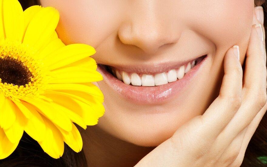 Mokslininkai teigia, kad jau visai greitai žmonės galės atsiauginti prarastus dantis: kaip tai įmanoma?