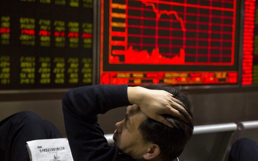 """Kinija prarado antros didžiausios akcijų biržos pasaulyje titulą – """"Bloomberg"""""""