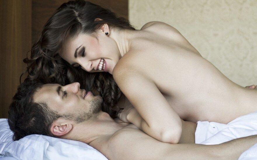 Poros atvirai papasakojo, kaip pasikeitė seksas susituokus
