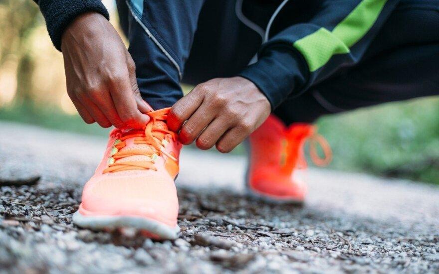 Pradedančio bėgiko dienoraštis: kaip išsirinkti batelius?
