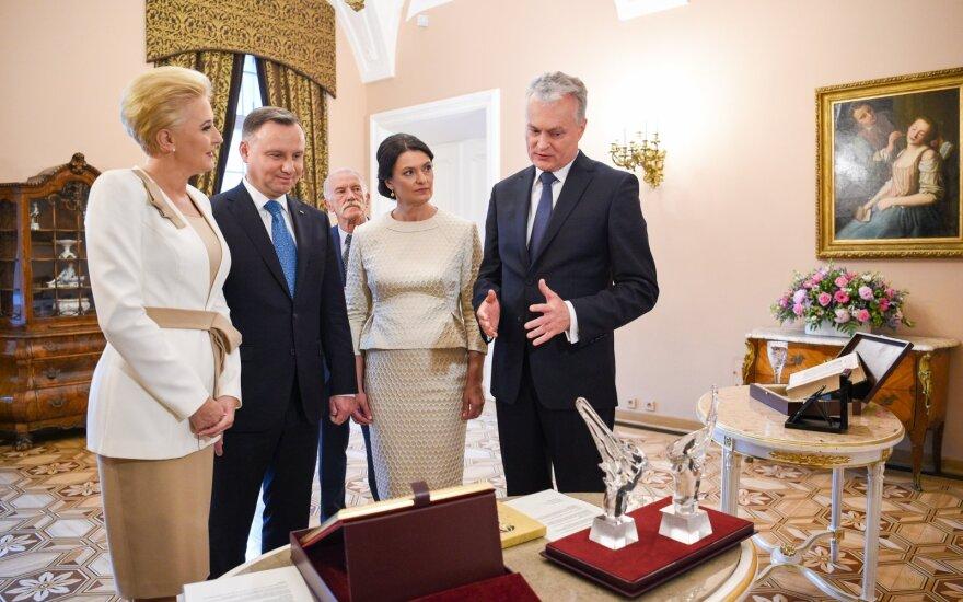 Nausėda kviečia Lenkijos banką į Lietuvą