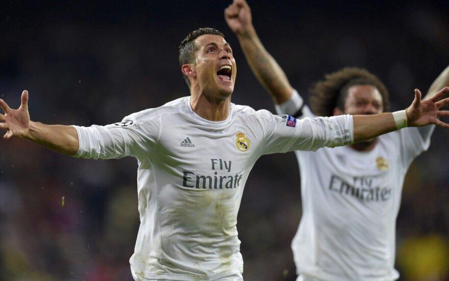 """UEFA Čempionų lyga: C. Ronaldo įmušė triskart ir išgelbėjo """"Real"""" sezoną, """"Man City"""" išmetė PSG"""