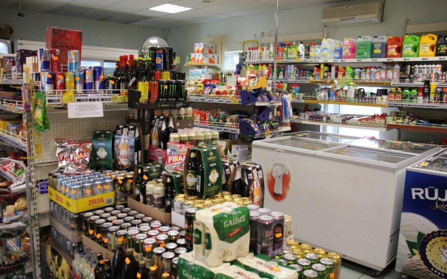 Nauji alkoholio prekybos draudimai supykdė – rodo į pasienį su Latvija