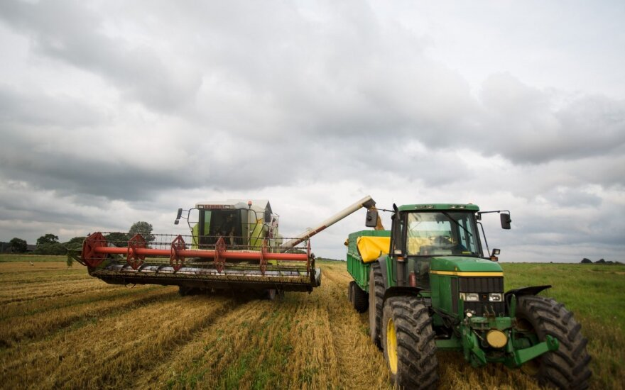 EU commission to make efforts toward uniform direct payments to farmers - Juncker