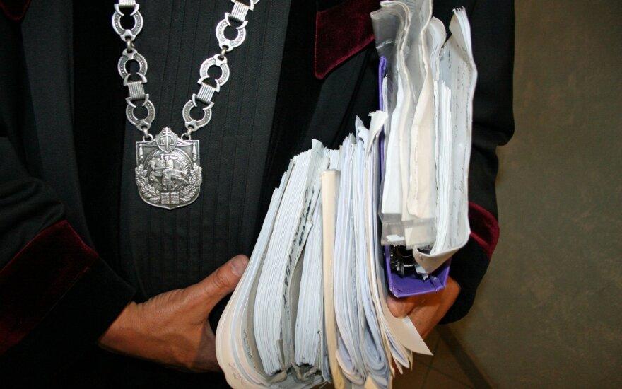 Nuteisė teisėjas, kuris byloje net nedalyvavo: per klaidą pasirašė ne savo nuosprendį