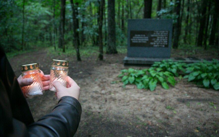 Seime bus skaitomi Holokausto aukų vardai