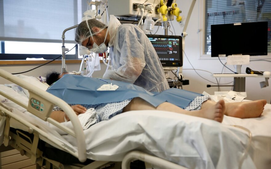 Prancūzijoje auga naujų koronaviruso atvejų skaičius