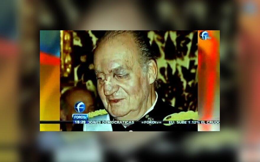 Ispanijos karalius Chuanas Karlosas sumušta akimi