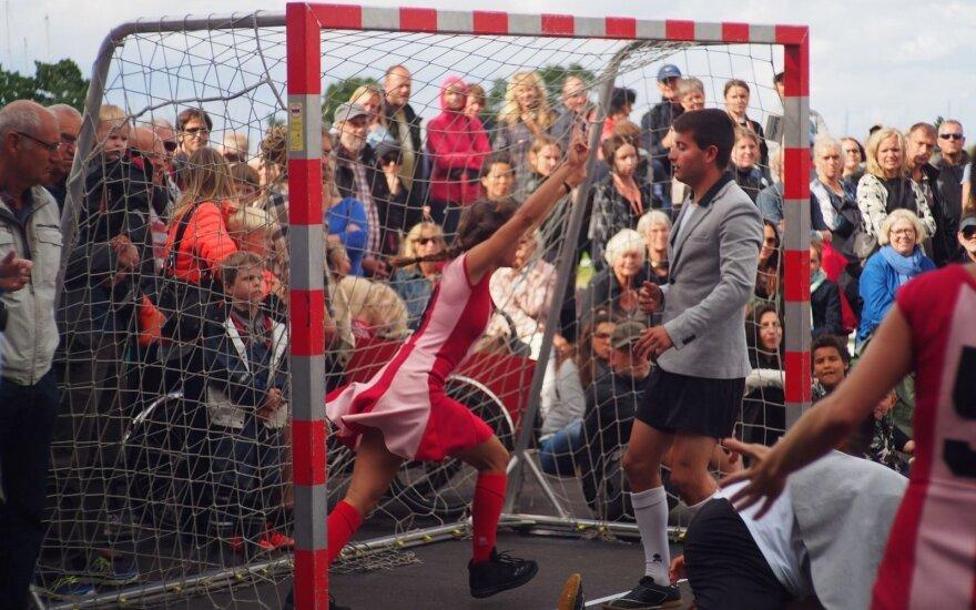 """Spektaklio """"Varžybos"""" akimirka FOTO: Carles Decors"""