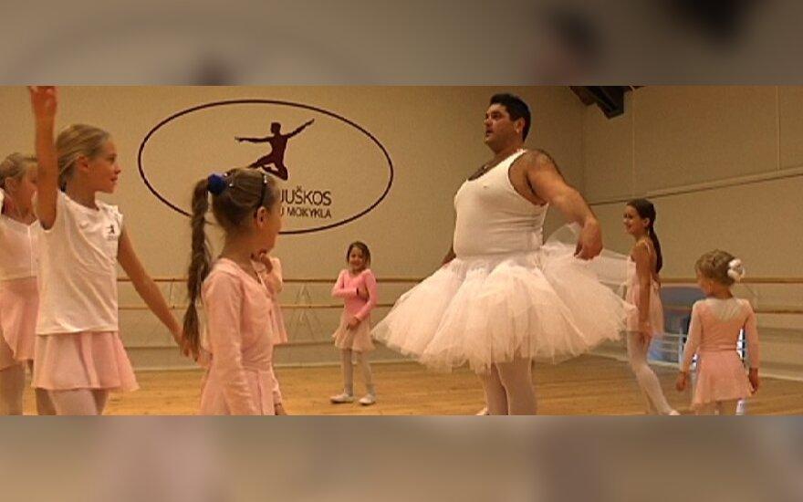 Cololo šoka baletą