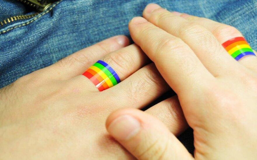 30 proc. Lietuvos gyventojų mano, kad ES turi būti leidžiamos gėjų santuokos
