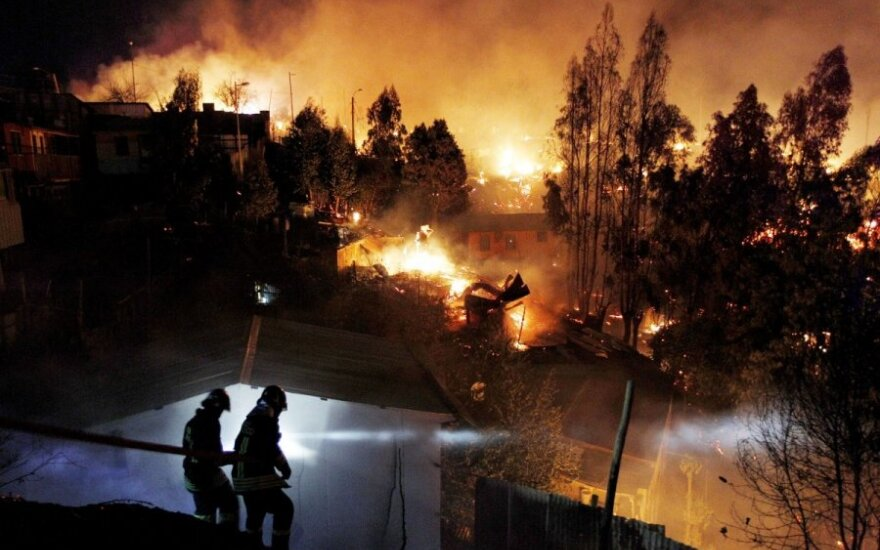 Čilėje siaučia 15 žmonių gyvybių pareikalavęs gaisras