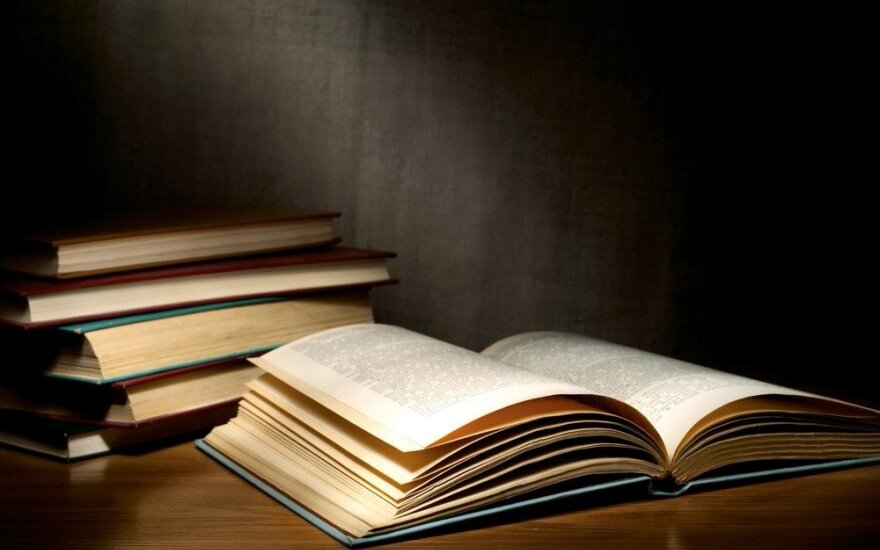 """Sugrįžta jaunųjų rašytojų festivalis """"Literatūrinės slinktys"""""""