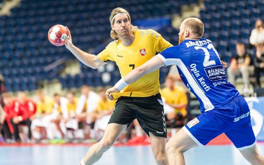 Aidenas Malašinskas (su kamuoliu)