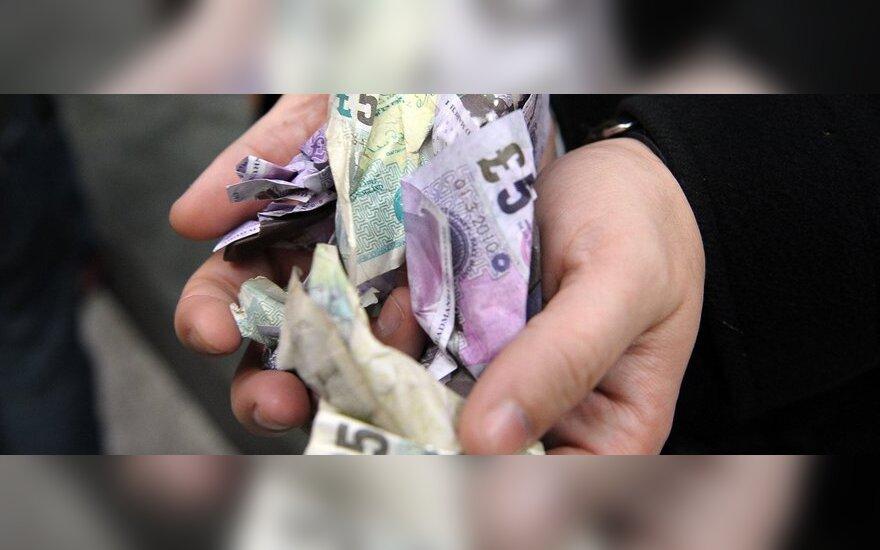 Britų atlyginimai liko tokie, kokie buvo prieš 10 metų