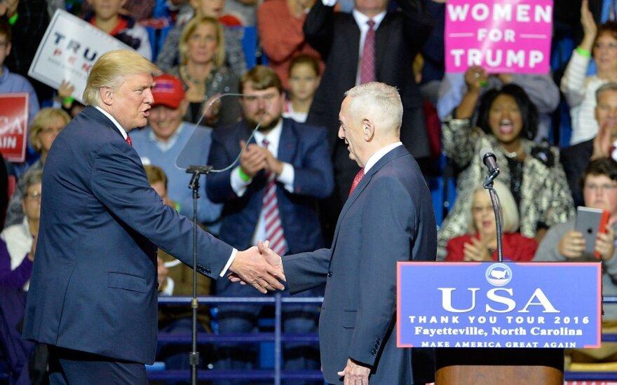 D. Trumpas leido Pentagonui spręsti dėl Afganistane dislokuojamų karių skaičiaus