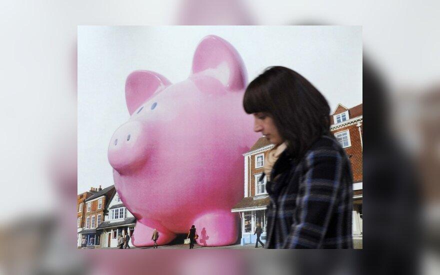 Ekonomistas ES siūlo įvesti visuotinį mokestį bankams