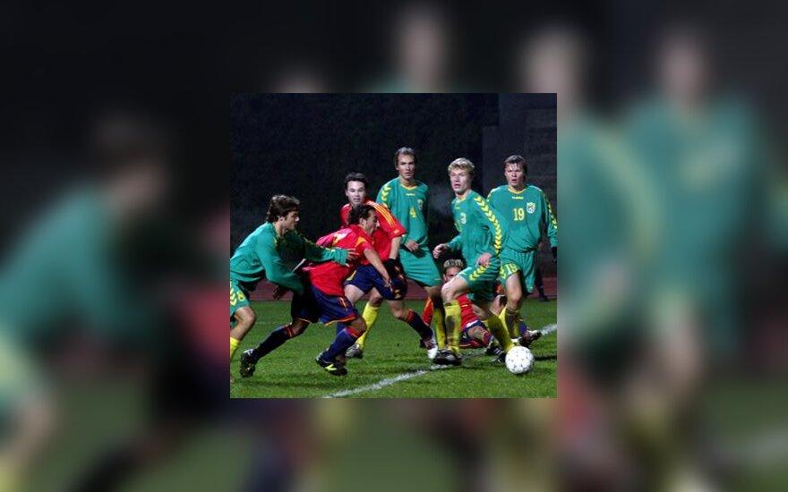 Lietuvos ir Ispanijos jaunimo rinktinių futbolo varžybų akimirka