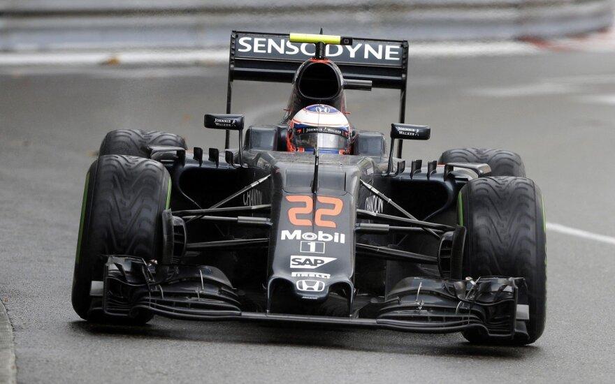 """F-1 """"McLaren"""" automobilis"""