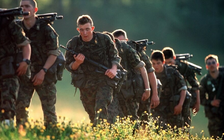President Grybauskaitė says Swiss army 'nice example' for Lithuania