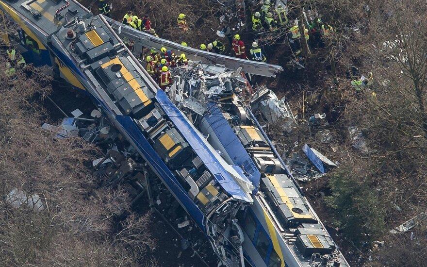 Žiauri traukinių avarija Vokietijoje įvyko dėl žmogiškos klaidos