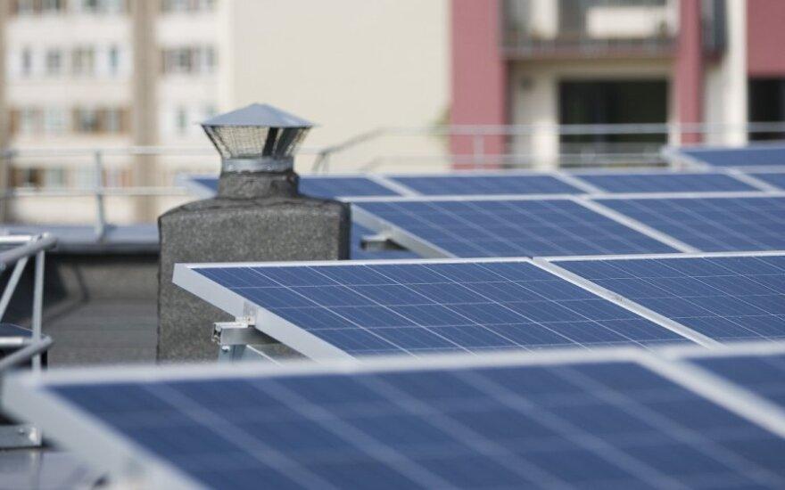 Mažieji saulės šviesos energijos gamintojai kreipėsi į teismą