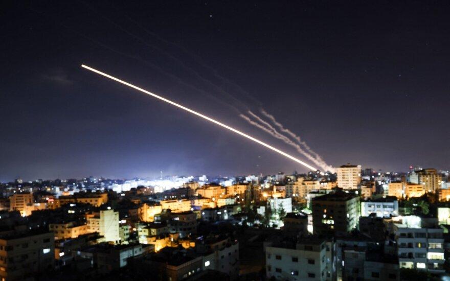 """Iš Gazos Ruožo """"Hamas"""" kovotojų paleista raketa"""