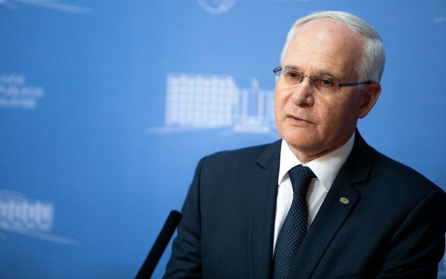 Paluckas: teks susitaikyti, kad ne savo vietoje esantis Monkevičius užbaigs savo kadenciją
