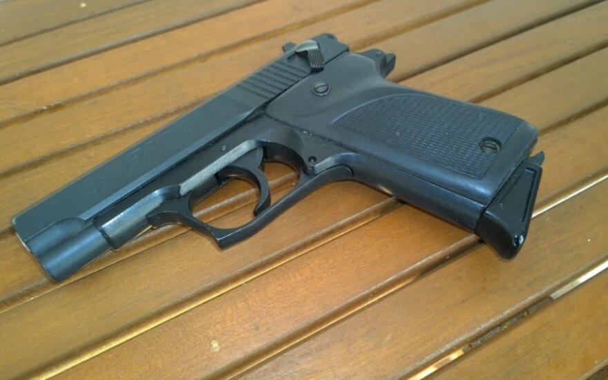 Į Vilniaus medikų rankas pateko vyras su šautine žaizda gerklėje