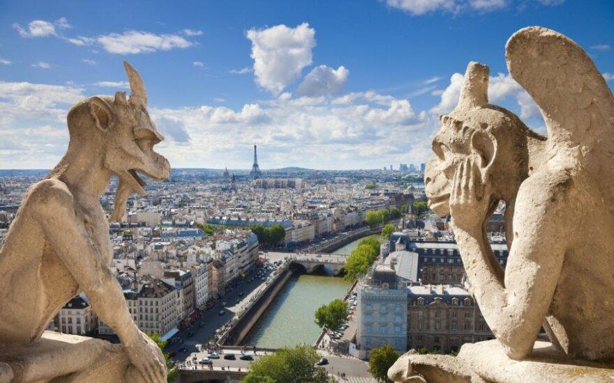 Prancūzijos vyriausybė skelbia karą prieš jaunimo nedarbą
