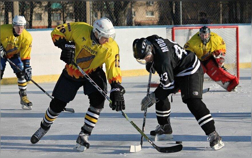"""Lietuvišką """"winter classic"""" po atviru dangumi laimėjo """"Hockey Punks"""" (Miglės Stalionytės nuotr.)"""