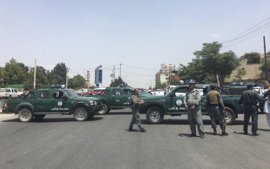 Rytų Afganistane per mirtininko sprogdintojo ataką žuvo du žmonės