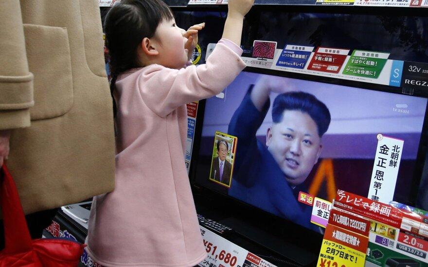 """Šiaurės Korėja tęsia grasinimus: Japoniją """"paskandins"""", o iš JAV paliks tik """"pelenus ir tuščią vietą"""""""