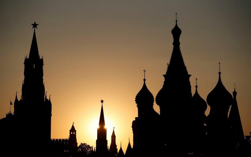 Tikinčiuosius šokiravusiam rusų dvasininkui – valdžios kirtis: skandalingos nuotraukos mįslingai dingo