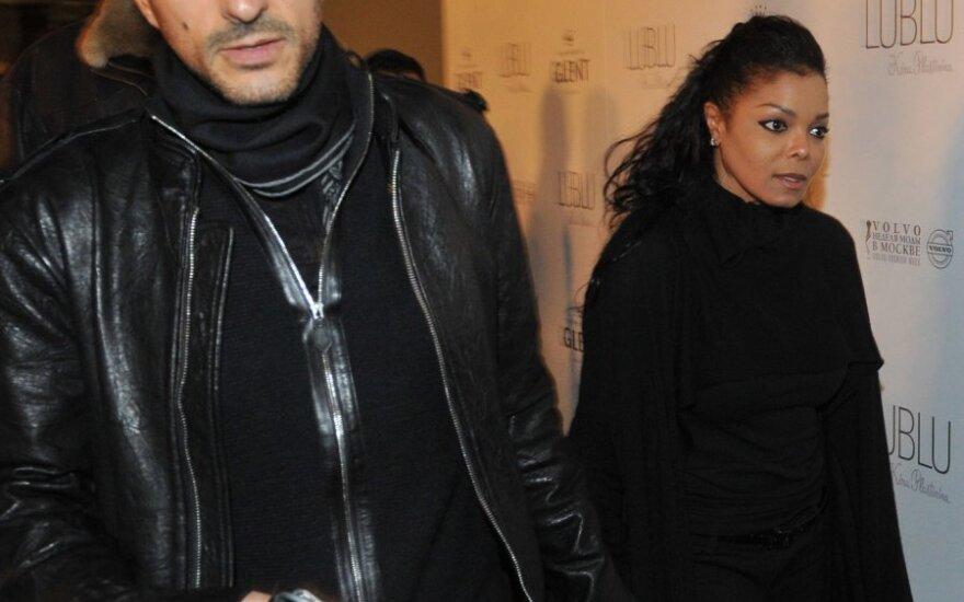 J. Jackson atskleidė, dėl ko atidėjo koncertus: mes su vyru planuojame šeimą